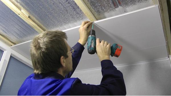 Как самому сделать потолок с пластика